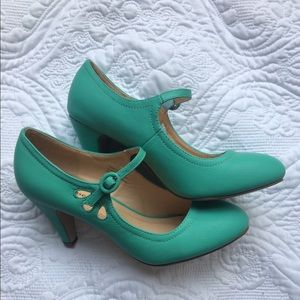 Chase & Chloe heels